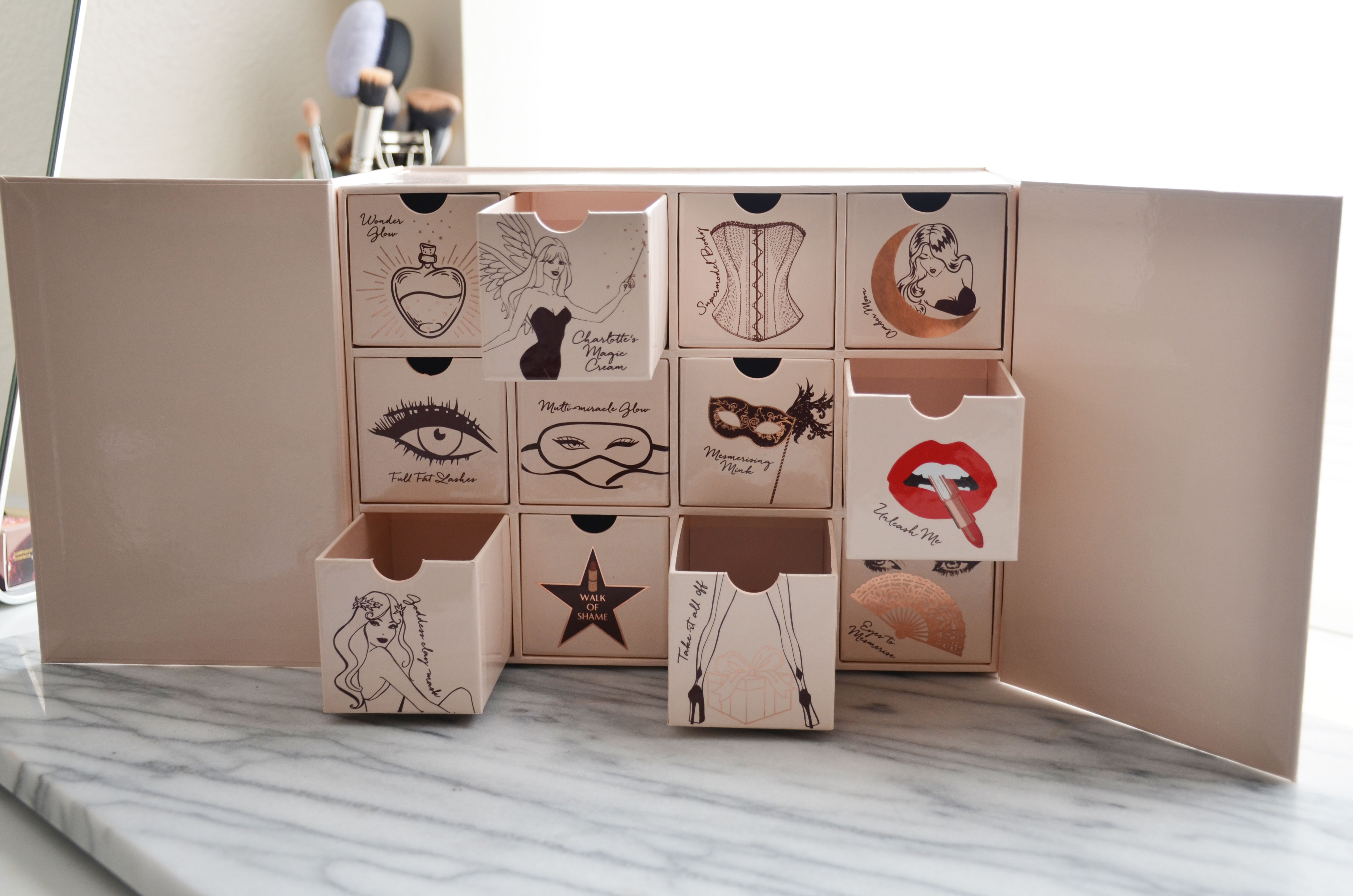 Charlotte Tilbury Naughty & Nice Magic Box